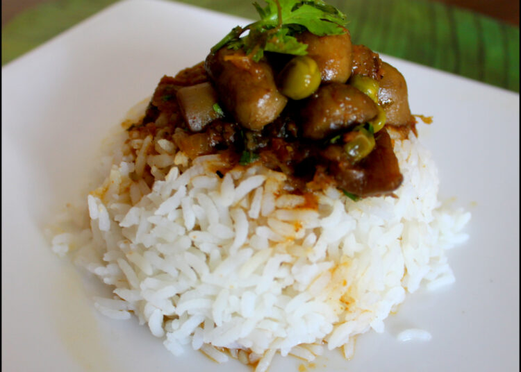 Green peas and Mushroom curry and rice