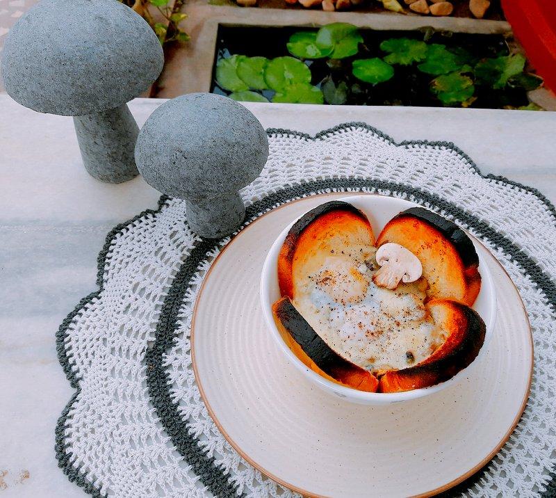 Crusty Kale-Mushroom Quiche Cups