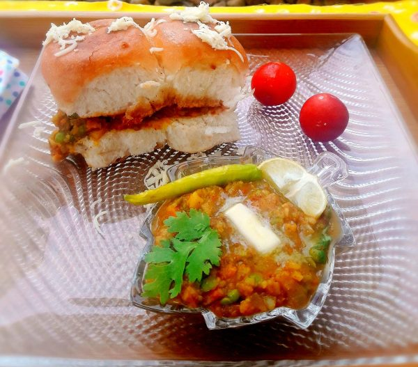 4.In my family we all eat lots of curry or vegetables and hence I serve the Mumbai Masala Pav with the Bhaji alongside to dip into and savour more of the flavours