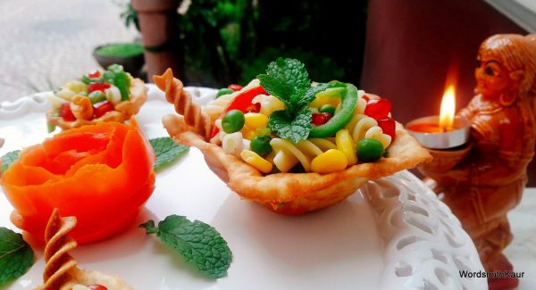 Fill prepared mixture into the Diyas and garnish with