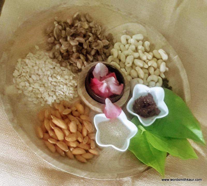 Homemade Thandai Powder| ingredients