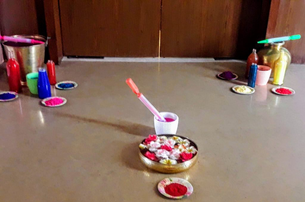 Holi decor for Tambola Games with a Holi Theme
