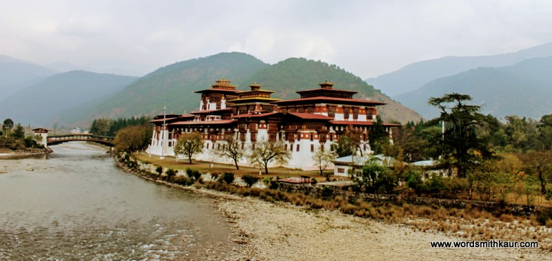 Ultimate  Tourist's Guide to Bhutan Punakha Dzong Bhutan