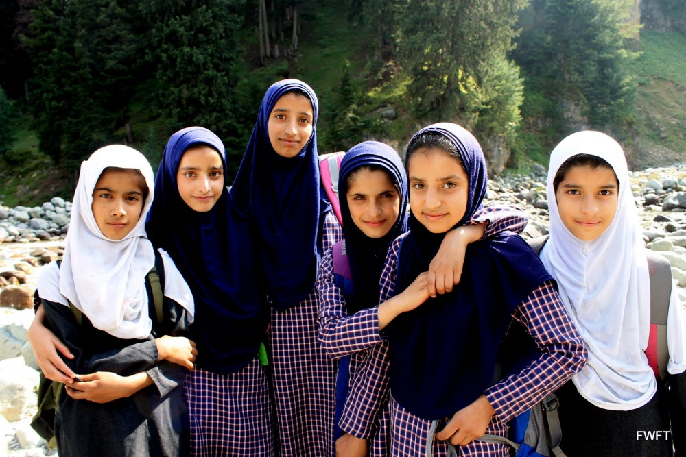 Pretty Kashmiri School girls in Doodhpathri-Kashmir