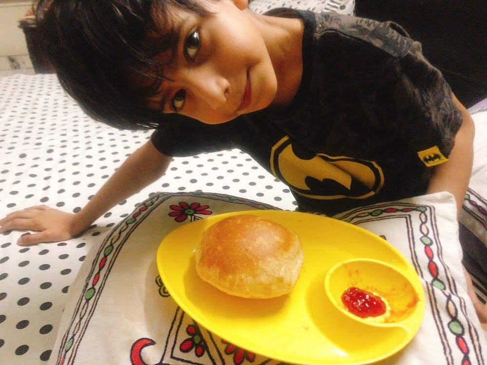 Mango puri with jam