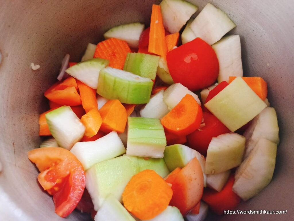 Veggies for Cream of Carrot and Bottle Gourd Soup